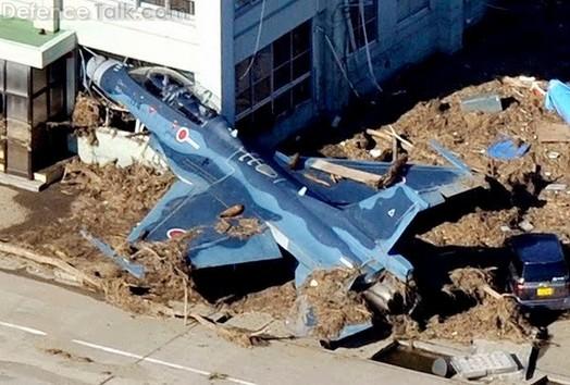 F 16 fighter tsunami japan 01